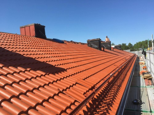 Bilder från en takrenovering vi utförde!